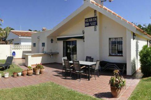 V030 Inmobiliaria Bobis Villa Primera linea de playa Las Chapas Marbella 1