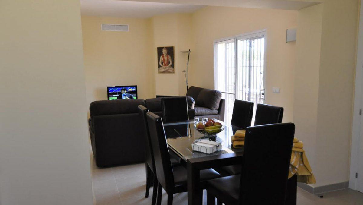 V030 Inmobiliaria Bobis Villa Primera linea de playa Las Chapas Marbella Comedor
