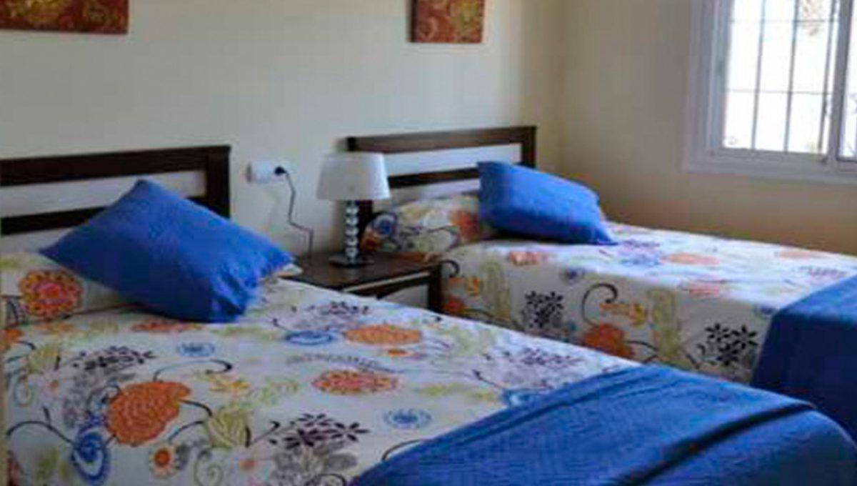 V030 Inmobiliaria Bobis Villa Primera linea de playa Las Chapas Marbella Dormitorio 2