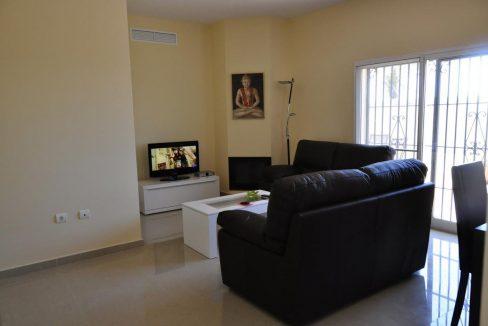 V030 Inmobiliaria Bobis Villa Primera linea de playa Las Chapas Marbella Salon 2