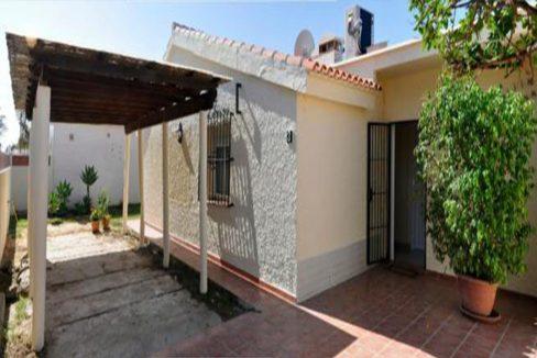 V030 Inmobiliaria Bobis Villa Primera linea de playa Las Chapas Marbella Terraza