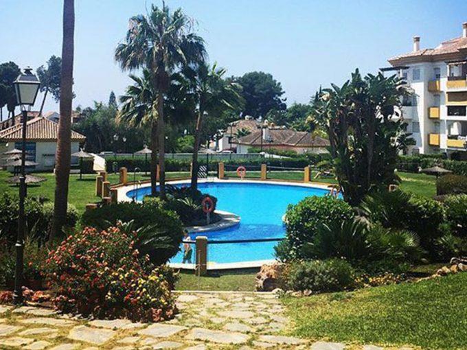 Ap033 Inmobiliaria Bobis Milla de oro Marbella piscina