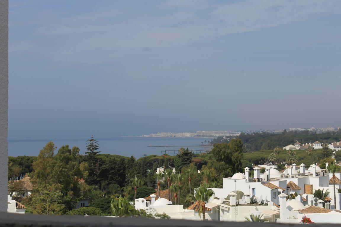 AP078 Piso amplio de 2 dormitorios en una de las mejores zonas de Marbella cerca del Palacio de Congresos