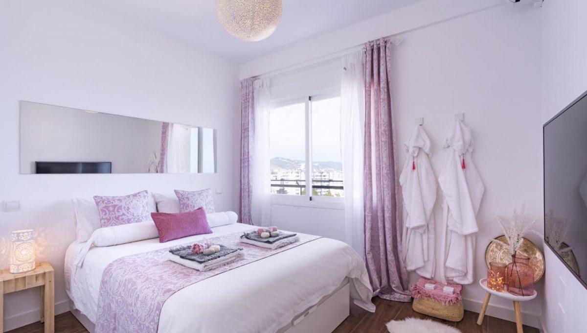 Ap098 Inmobiliaria Bobis Centro Marbella primera linea de playa dormitorio