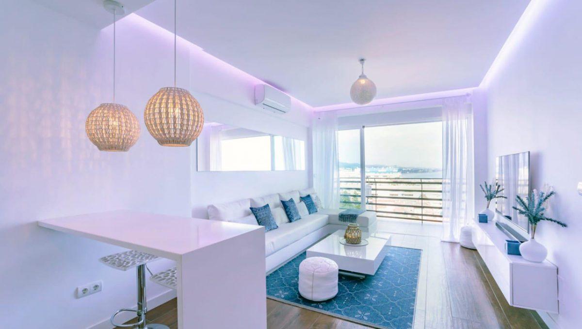 Ap098 Inmobiliaria Bobis Centro Marbella primera linea de playa salón 1