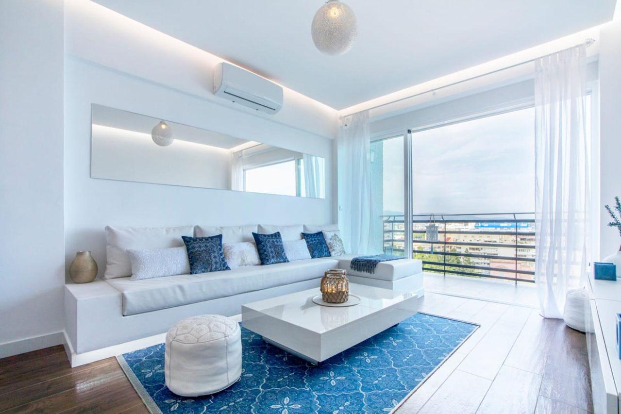 AP098 Espectacular apartamento reformado en 1ª linea de playa con vistas al mar en Marbella