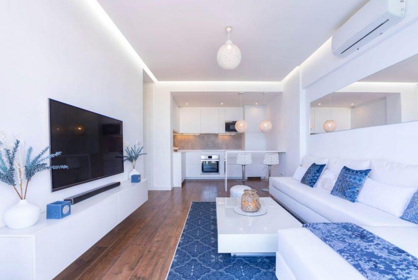 Ap098 Inmobiliaria Bobis Centro Marbella primera linea de playa salon