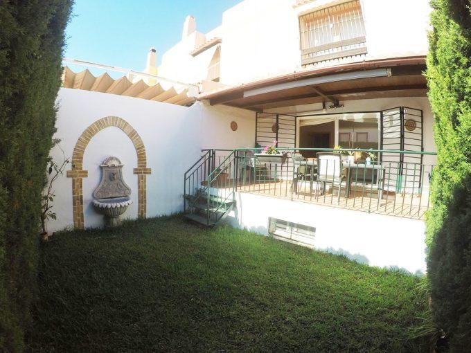 C096 Inmobiliaria Bobis Casa zona Xarblanca Marbella jardin