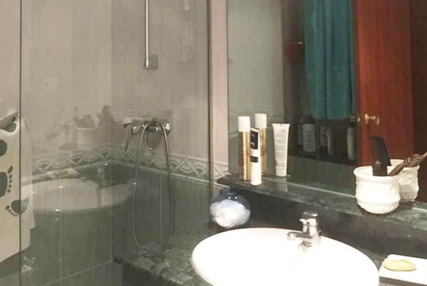 AP127 Inmobiliaria Bobis Marbella centro baño 1