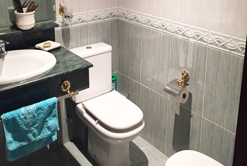 AP127 Inmobiliaria Bobis Marbella centro baño
