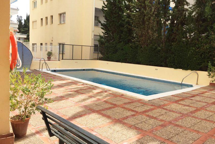 AP127 Inmobiliaria Bobis Marbella centro piscina 1