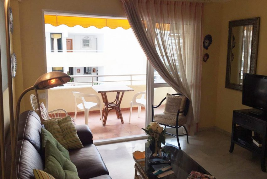 AP127 Inmobiliaria Bobis Marbella centro salon 1