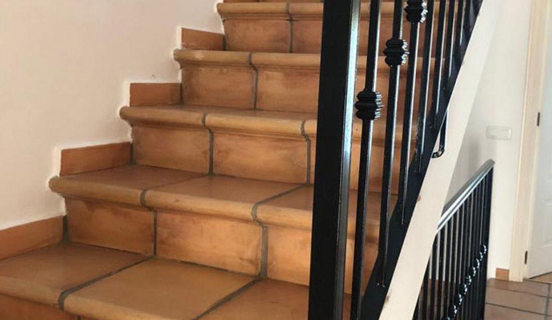 C147 Inmobiliaria Bobis Casa Milla de oro Marbella escalera