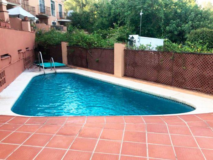 C147 Inmobiliaria Bobis Casa Milla de oro Marbella piscina