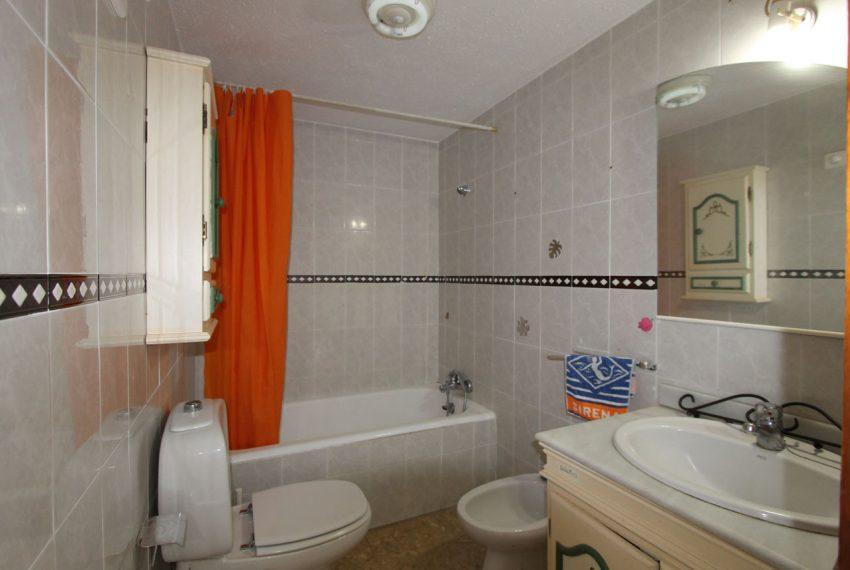 Ap160 Inmobiliaria Bobis Centro Marbella Vistas al mar Baño