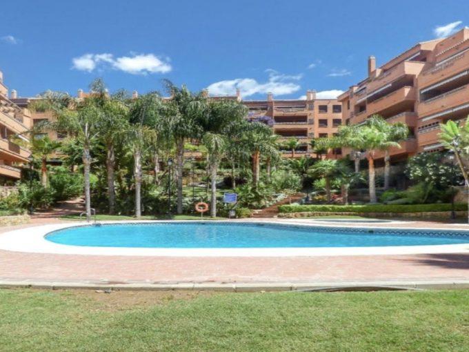 Ap192 Inmobiliaria Bobis Milla de oro Costa Nagueles piscina