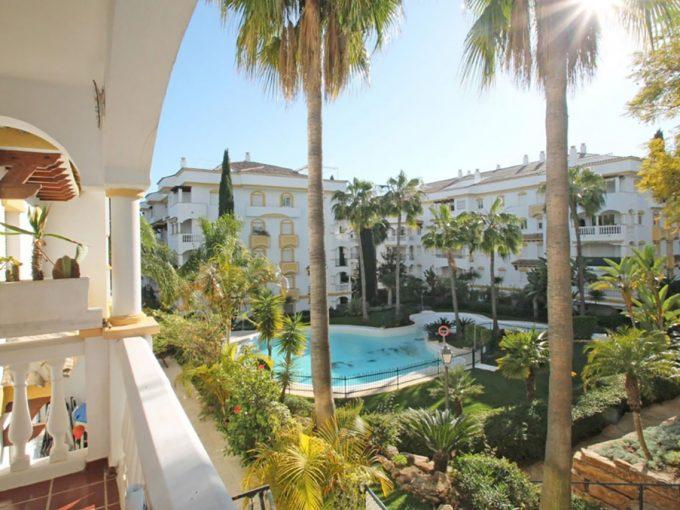 Ap193 Inmobiliaria Bobis Hacienda Nagueles Marbella piscina
