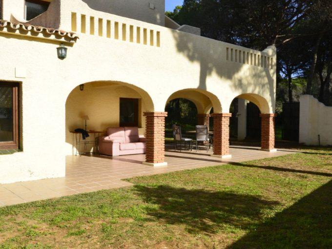 V185 Inmobiliaria Bobis Villa Elviria Marbella jardin