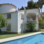 V186 Inmobiliaria Bobis Villa Rio Real Marbella piscina