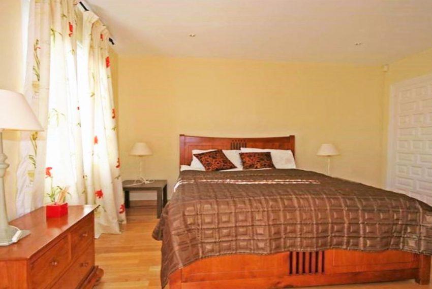V188 Inmobiliaria Bobis Villa Nueva Andalucia Marbella dormitorio 1