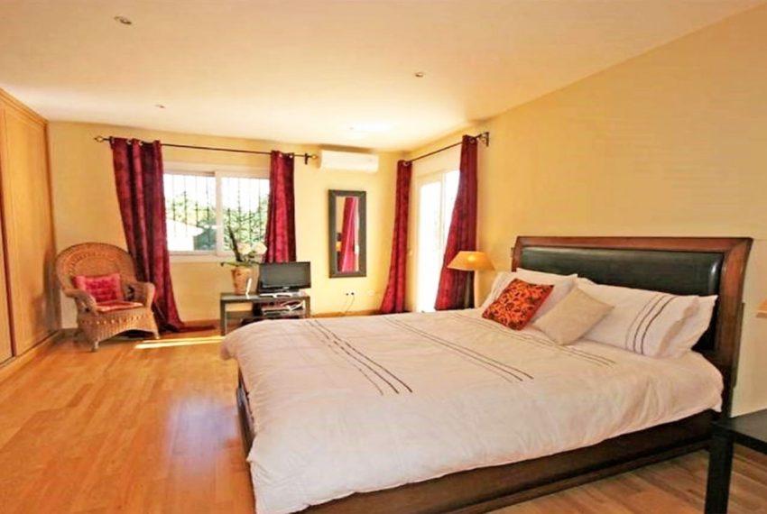 V188 Inmobiliaria Bobis Villa Nueva Andalucia Marbella dormitorio