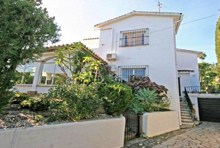 V188 Inmobiliaria Bobis Villa Nueva Andalucia Marbella entrada
