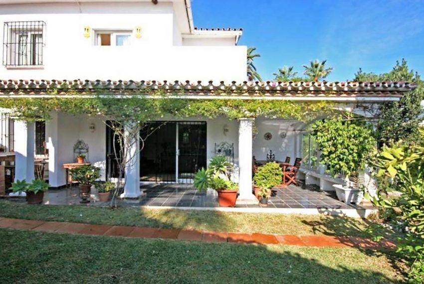 V188 Inmobiliaria Bobis Villa Nueva Andalucia Marbella jardin