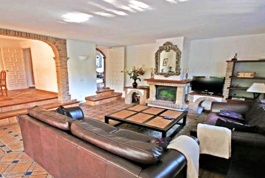 V188 Inmobiliaria Bobis Villa Nueva Andalucia Marbella salon 1
