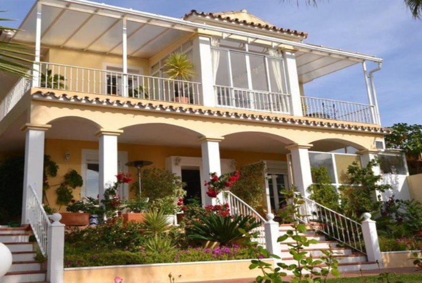 V189 Inmobiliaria Bobis Villa Rosario Marbella