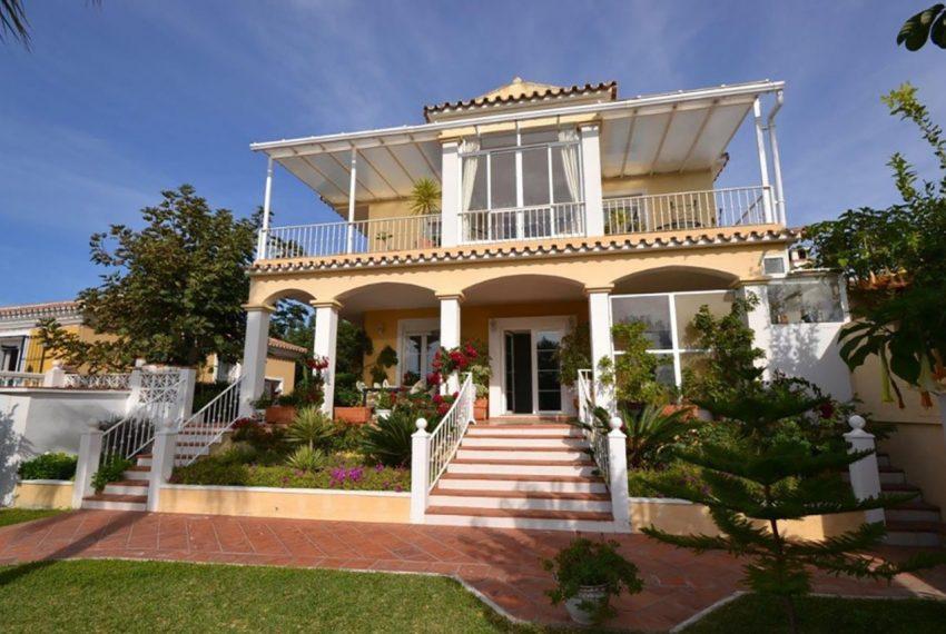 V189 Inmobiliaria Bobis Villa Rosario Marbella jardin