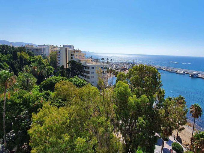 Ap201 Inmobiliaria Bobis Duplex Centro Marbella primera linea de playa vistas