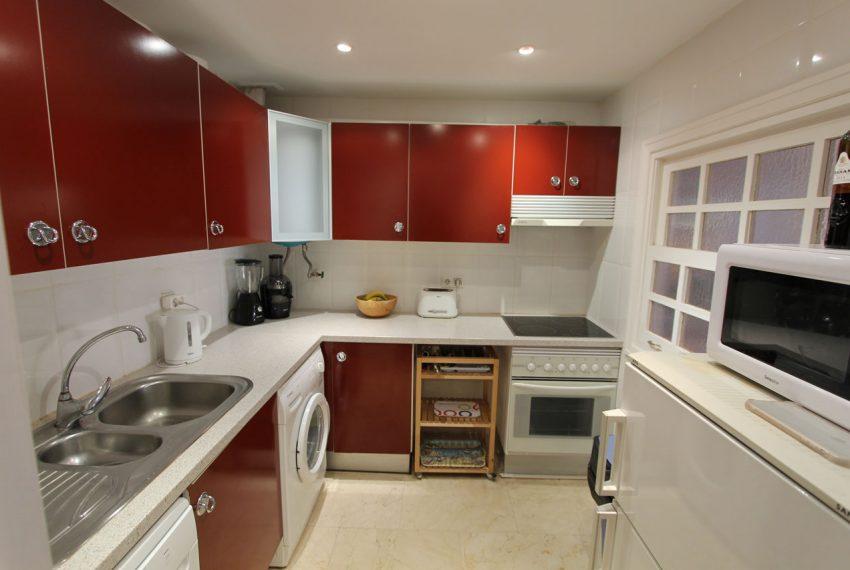 Ap105 Inmobiliaria Bobis Centro Marbella cerca de la playa cocina 1