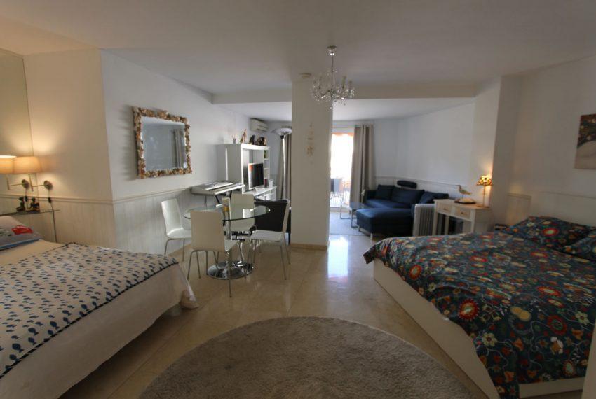 Ap105 Inmobiliaria Bobis Centro Marbella cerca de la playa habitacion 1