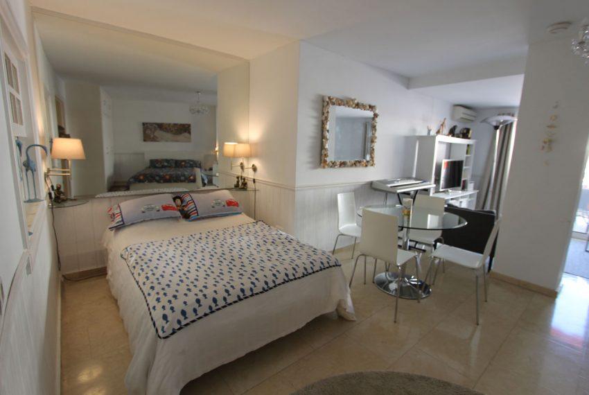 Ap105 Inmobiliaria Bobis Centro Marbella cerca de la playa habitacion 2