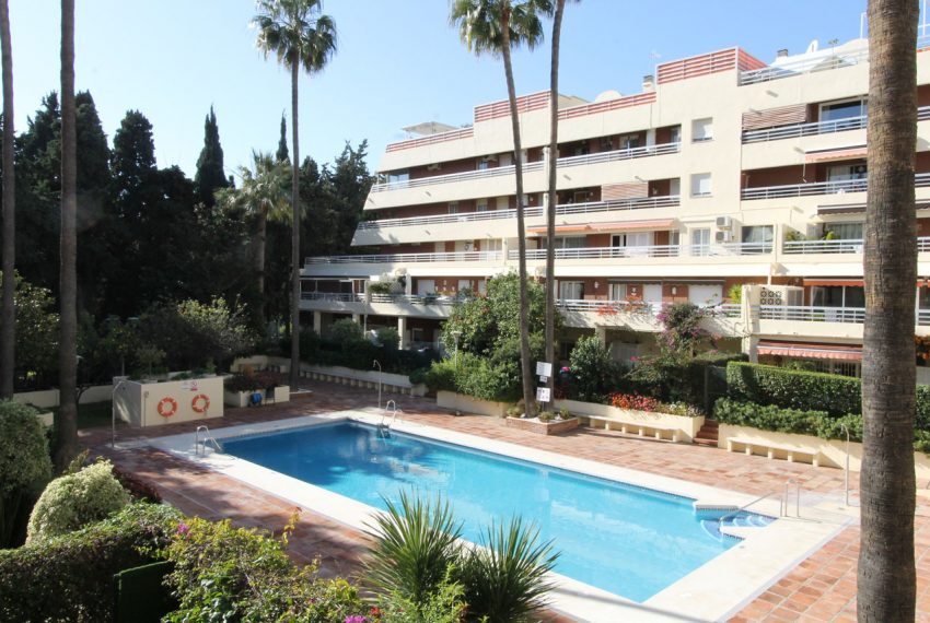 Ap105 Inmobiliaria Bobis Centro Marbella cerca de la playa piscina 1