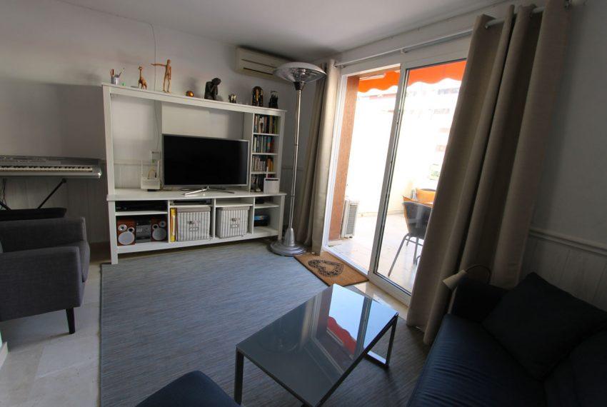 Ap105 Inmobiliaria Bobis Centro Marbella cerca de la playa salon 2