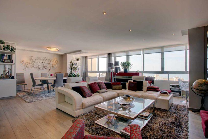 AT017 Inmobiliaria Bobis Ático Centro Marbella con vistas al mar salon 2