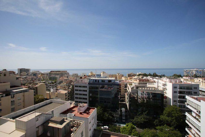 AT017 Inmobiliaria Bobis Ático Centro Marbella con vistas al mar vistas