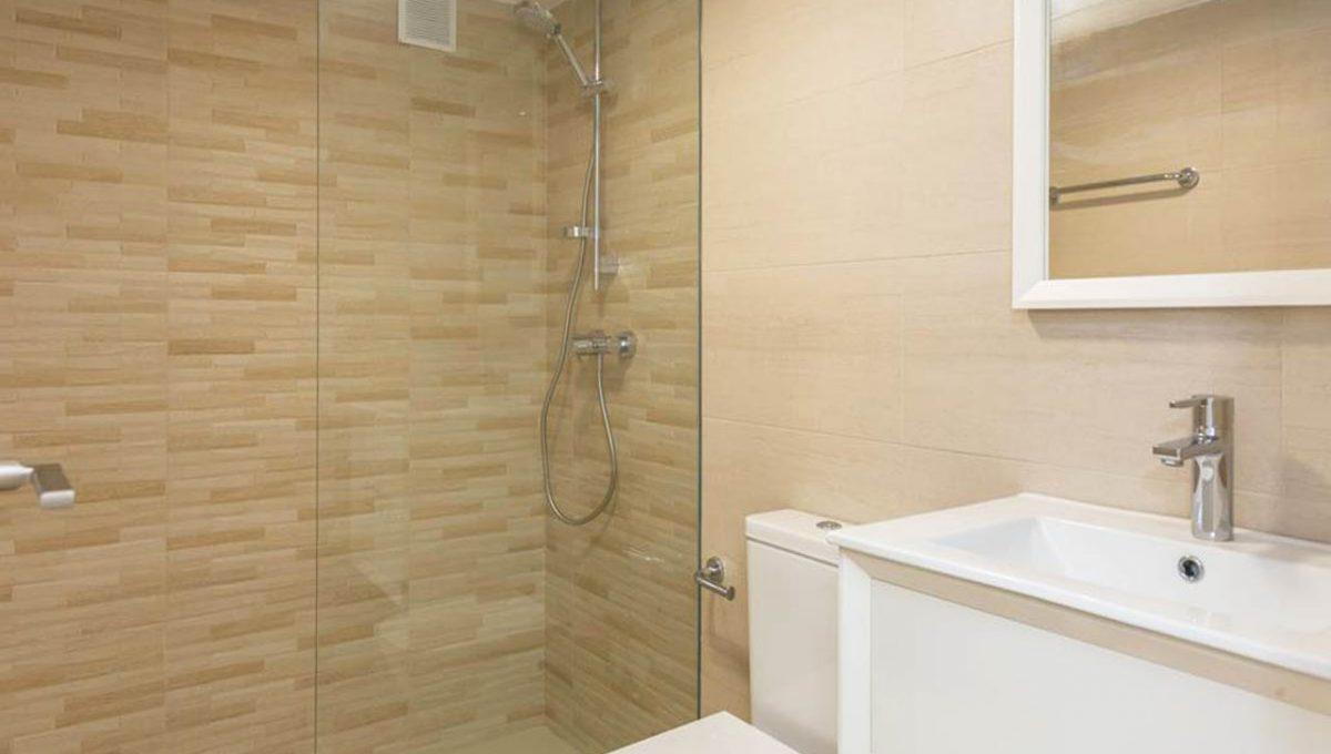 V029 Inmobiliaria Bobis Casa Centro Marbella Villa en primera linea de playa baño