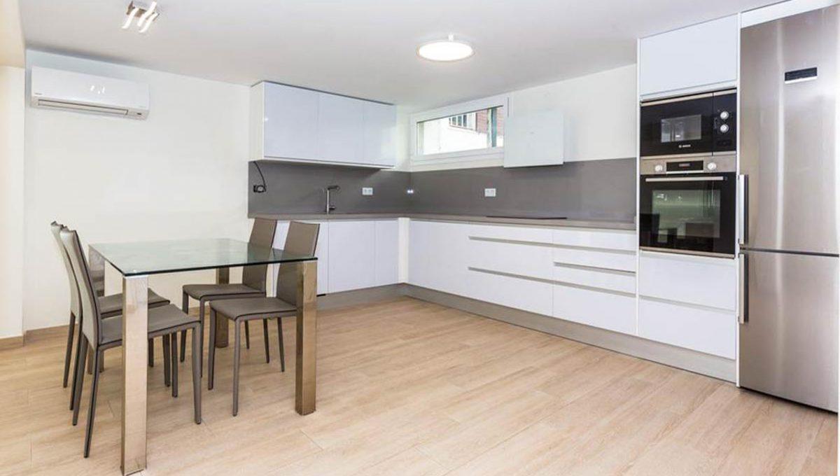 V029 Inmobiliaria Bobis Casa Centro Marbella Villa en primera linea de playa cocina