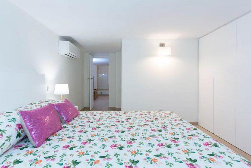 V029 Inmobiliaria Bobis Casa Centro Marbella Villa en primera linea de playa dormitorio 2