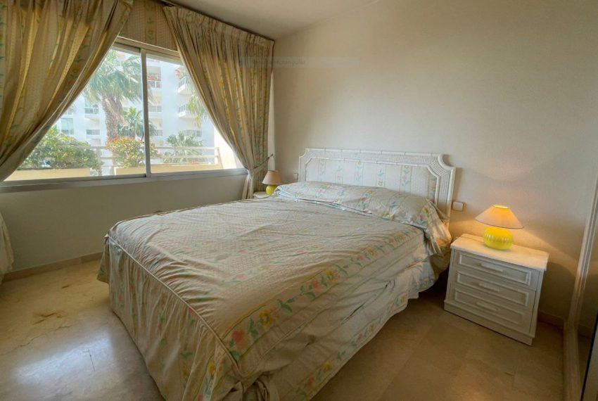 Ap223 Inmobiliaria Bobis Centro Marbella primera linea de playa habitacion