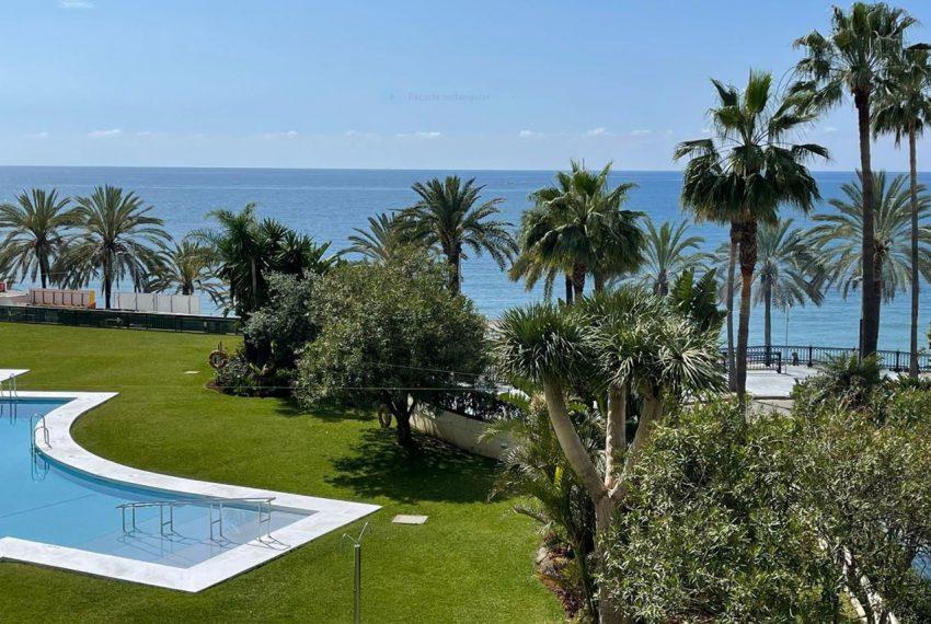 Ap223 Inmobiliaria Bobis Centro Marbella primera linea de playa piscina