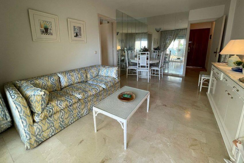 Ap223 Inmobiliaria Bobis Centro Marbella primera linea de playa salon 1
