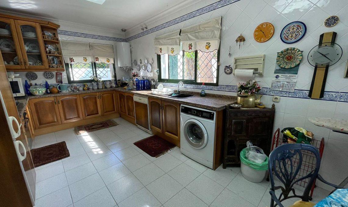 V221 Inmobiliaria Bobis Villa Nagueles Marbella cocina