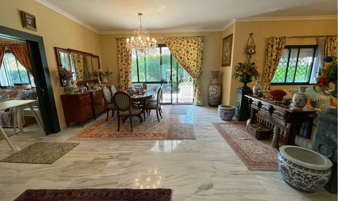 V221 Inmobiliaria Bobis Villa Nagueles Marbella comedor