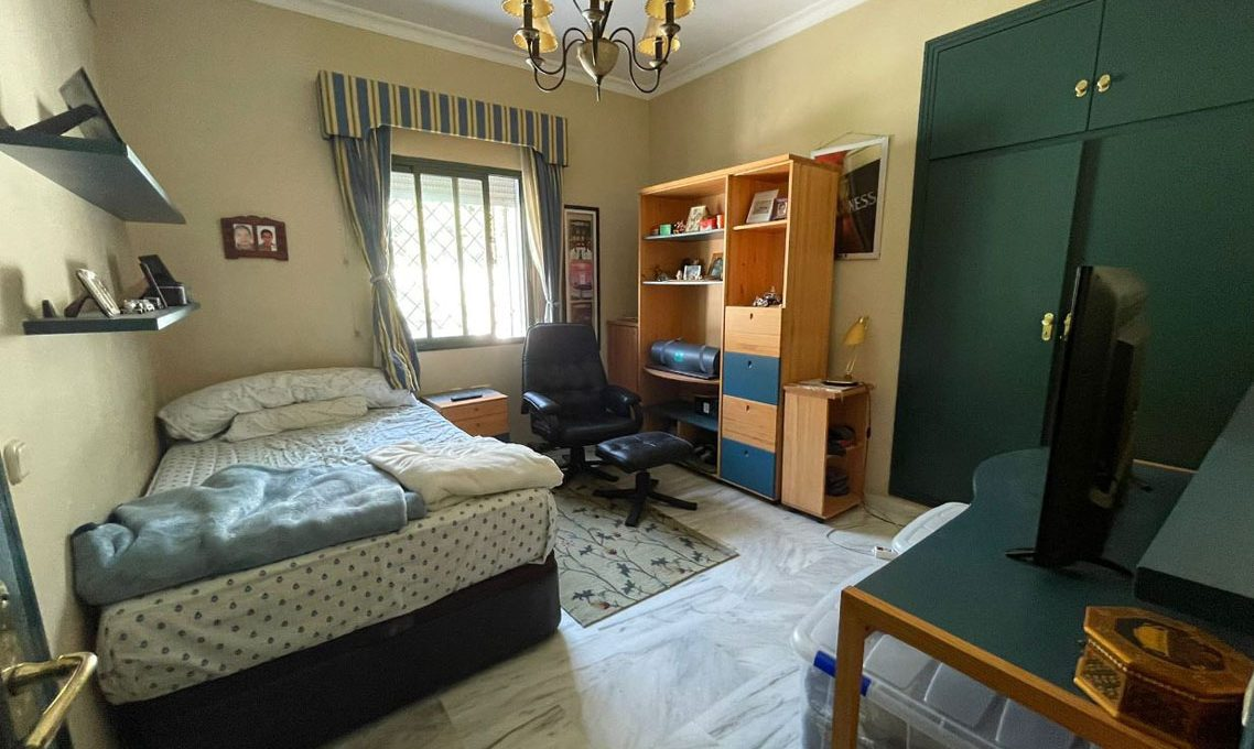 V221 Inmobiliaria Bobis Villa Nagueles Marbella dormitorio 4