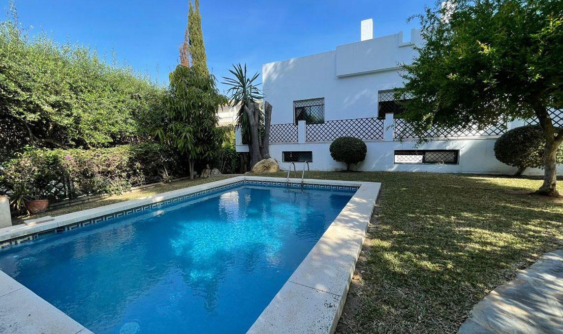 V221 Inmobiliaria Bobis Villa Nagueles Marbella piscina 1
