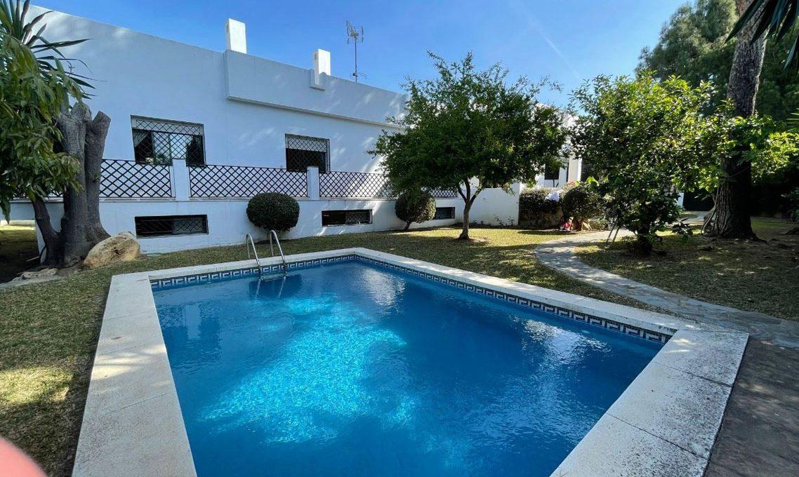 V221 Inmobiliaria Bobis Villa Nagueles Marbella piscina
