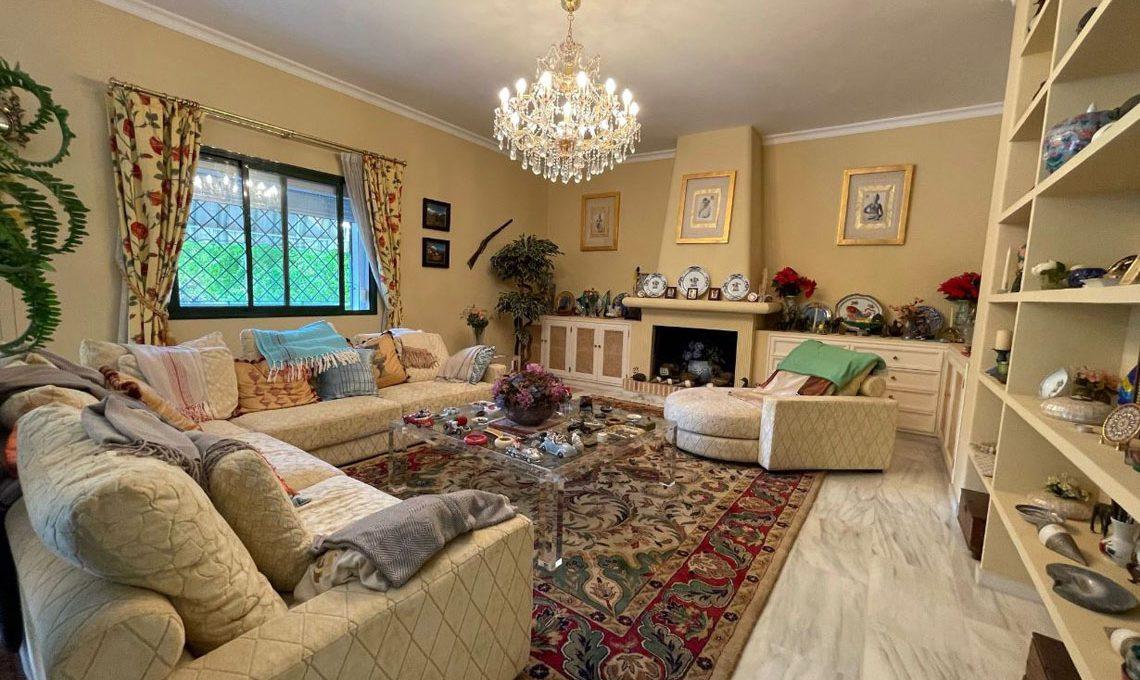V221 Inmobiliaria Bobis Villa Nagueles Marbella salon